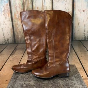 Elaine Turner Leather Zip Up Boots Size 7